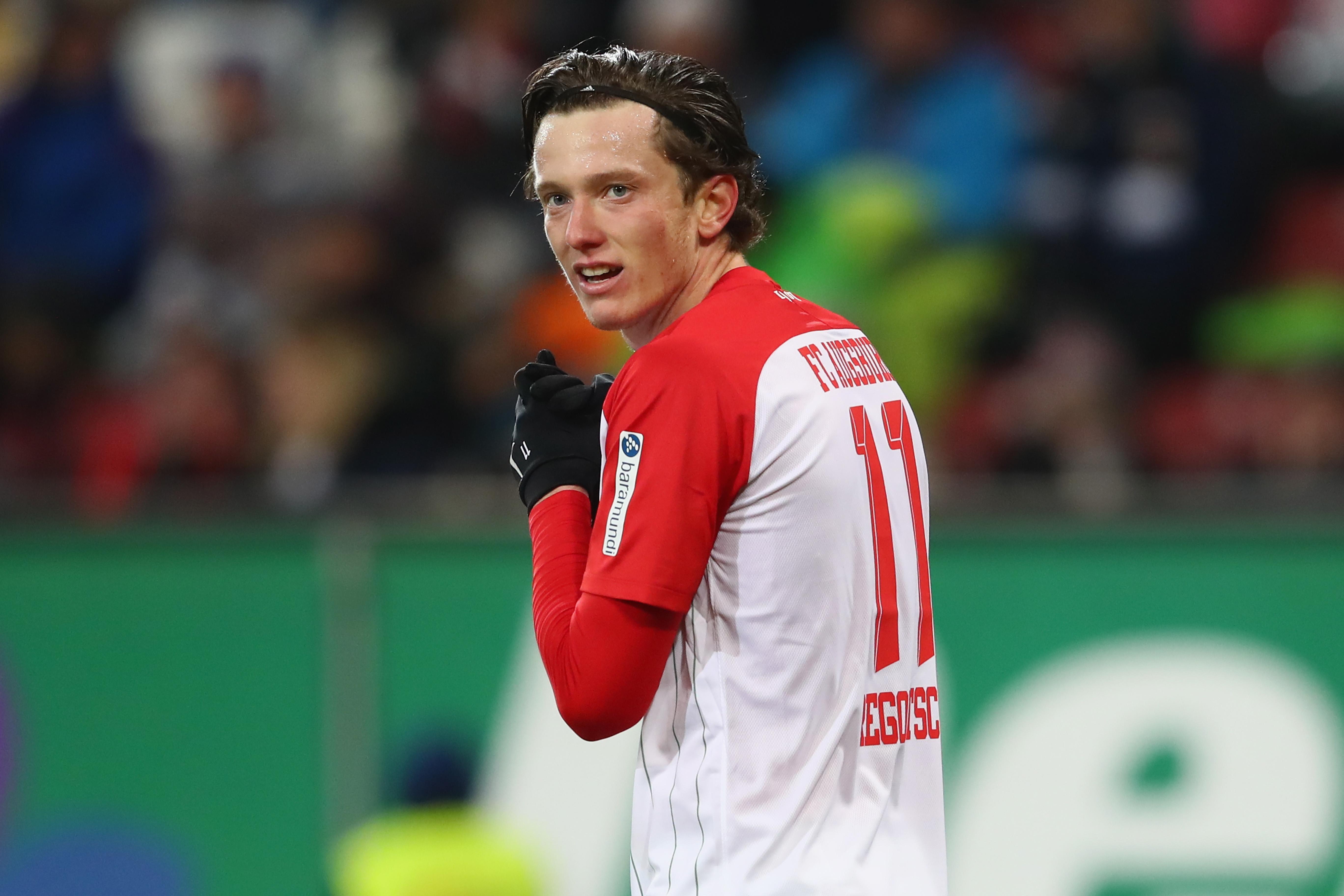 www.lattenkreuz.de/wp-content/uploads/FC-Augsburg-v-Hertha-BSC-Bundesliga-12.jpg