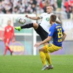 Leipzig verpasst beim FCA vierten Sieg in Folge