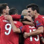 Martínez und Lewandowski erlösen einfallslose Bayern